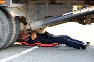 under truck inspection