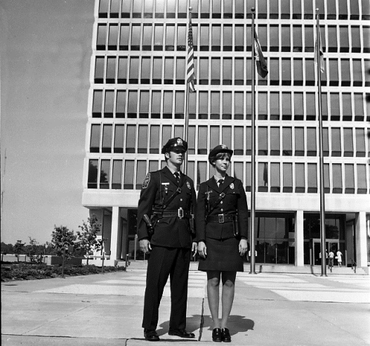051217, 1970s,Massey w two ofcs, 275th